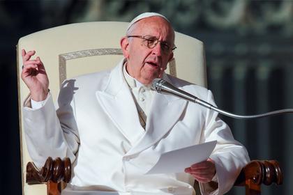 Папа Римский рассказал обопасности фейковых новостей