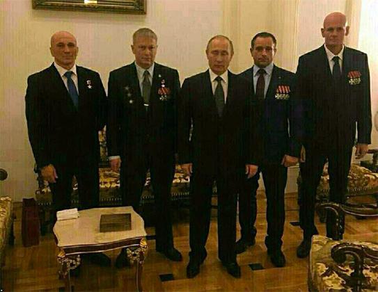 Дмитрий Уткин (крайний справа) на встрече с президентом России Владимиром Путиным