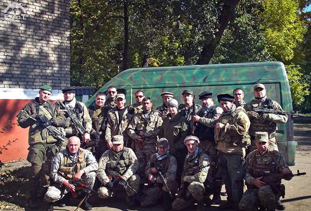 Операторы E.N.O.T.CORP и бойцы комендатуры Антрацита