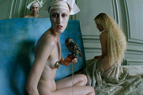 Видео голых моделей