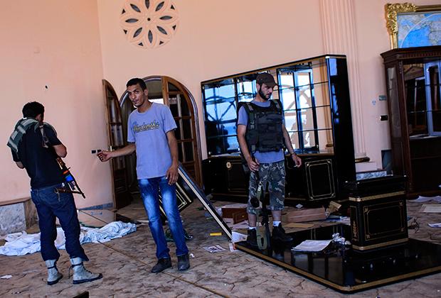 В особняке одного из сыновей Каддафи после начала «арабской весны»