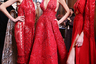 Самый знаменитый ливанский модельер вновь продемонстрировал традиционную для его дома восточную роскошь и соблазнительные разрезы на платьях в пол.