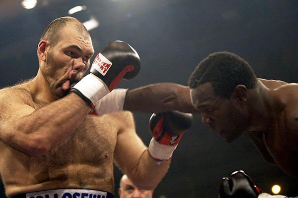Негр боксёр приехал в россию