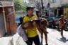 Во время столкновений 25 января был ранен, а затем скончался один полицейский. С начала противостояния с преступными группировками в сентябре в Росинье помимо предполагаемых наркоторговцев погибла и 67-летняя испанская туристка. Пуля настигла женщину, когда она вместе с родственниками и гидом ехала в машине. Жертвами перестрелок зачастую становятся и обычные жители, в том числе дети.