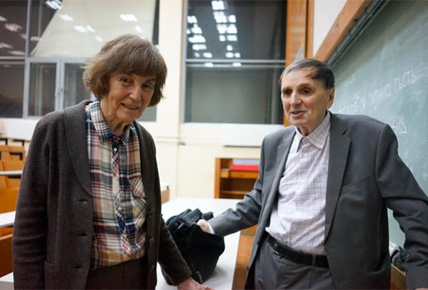 Андрей Зализняк с женой Еленой Падучевой, 2015 год