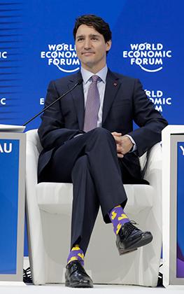 Премьер-министр Канады Джастин Трюдо в носках с уточками