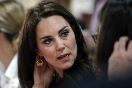 Герцогиня Кембриджская пожертвовала волосы надетские парики