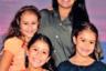Для своего режиссерского дебюта известный оператор Руди Вальдес обратился к истории собственной семьи: его сестра Синди получила 15-летний срок за пособничество преступлениям, когда-то совершенным ее покойным бойфрендом-гангстером. Перед тем, как оказаться на скамье подсудимых, Синди успела выйти замуж и родить троих детей — разбираясь в обстоятельствах ее дела, Руди Вальдес одновременно пытается привлечь внимание властей к ее судьбе.