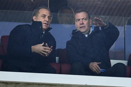 Медведев расширил полномочия Мутко всфере проведения больших состязаний