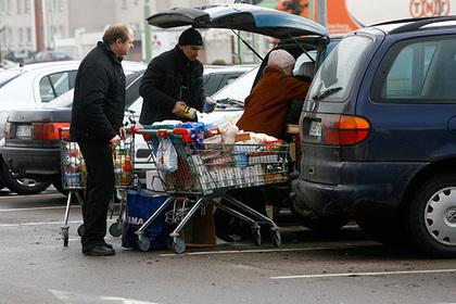 Полякам запретили ходить в магазины по воскресеньям