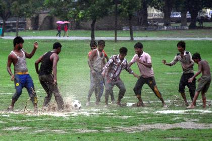 Мусульманкам в Индии запретили смотреть на голые колени футболистов