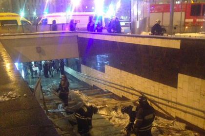 Пятеро пострадали при обрушении строительных лесов возле московского метро