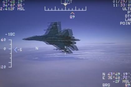 Пентагон опубликовал новое видео перехвата разведчика США российским Су-27