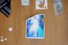 Религиозный постер на двери одной из комнат жилого корпуса убежища Rescue Foundation в Бойсаре. Работники очень многих религиозных организаций, в том числе христианских, посещают убежища и читают лекции спасенным. Однако вероисповедание девушек разное — не только христианство, но и ислам и буддизм.