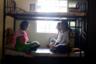 Девушки, спасенные из секс-рабства, беседуют в жилых комнатах убежища Rescue Foundation в городе Пуне. Организация считается самой большой в Индии. Ее сотрудники занимаются вопросами секс-рабства и единственные планируют спасательные операции совместно с полицией.