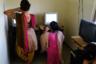 В убежище в Пуне, как и в других двух, для девушек предусмотрен компьютерный класс. До спасения некоторые никогда не видели компьютера. В основном девушки учатся печатать и рисовать в графическом редакторе.