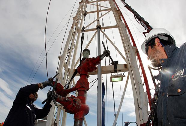 Нефтяные сооружения аргентинской фирмы YPF, дочернего предприятия Repsol