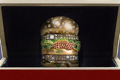 «Макдоналдс» предложит гамбургер с бриллиантами