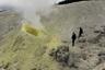 Фумарольные поля на вулкане Менделеева, пожалуй, самые доступные достопримечательности острова. Правда, фумаролы расположены в пограничной зоне острова, для посещения которой требуется специально оформленный пропуск. <br><br> На Курильских островах насчитывается 68 надводных вулканов. Среди них действующих и потенциально активных — 37. В акватории Курильских островов находится еще около 100 подводных вулканов.