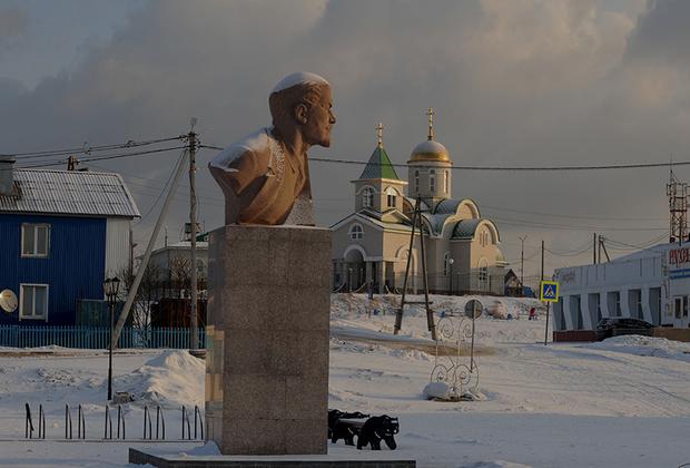 Новое лицо Южно-Курильска: храм и «вечно живой» Ильич.
