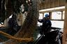 Команда рыболовного судна «Асбьорн» (Южно-Курильский рыбокомбинат) во время промышленного лова минтая в Южно-Курильском проливе.