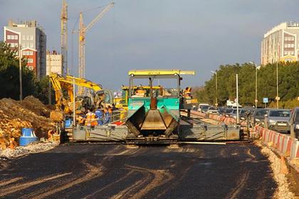 Овсянников проверил ход ремонта дороги Севастополь— порт Камышовая бухта