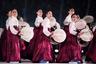 Частью церемонии открытия стала демонстрация игры на корейских музыкальных инструментах. Местные девушки сыграли на барабанах традиционные народные композиции.