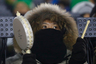 За два дня до открытия британские спортсмены жаловались на холодную погоду в Пхенчхане. На репетиции церемонии многие болельщики не смогли досидеть до конца мероприятия. На сегодняшний день погода в Корее держится на уровне +4.