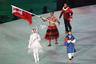 Знаменосец сборной Королевства Тонга Пита Тауфатофуа вынес флаг страны на параде спортсменов. Он же выступал флагоносцем национальной команды на летних Играх в Рио-де-Жанейро. Тауфатофуа — тхэквондист и лыжник в одном лице.
