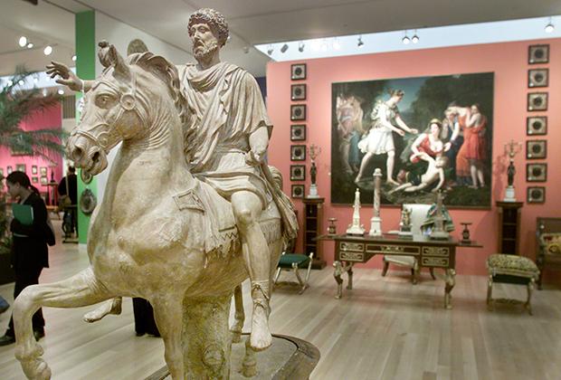 Скульптура Марка Аврелия на коне была выставлена на аукционе в Нью-Йорке в марте 2001 года
