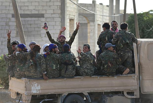 Бойцы «Демократических сил Сирии»