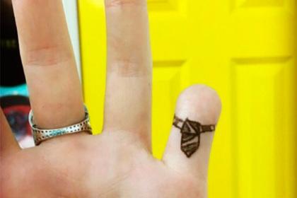 Британка отрезала палец и сделала из него ожерелье