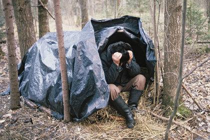 Убивший милиционера петербуржец шесть лет прятался в лесу и питался грибами