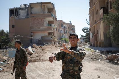 Курды опровергли информацию о просьбе помощи у сирийцев