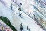 Лучший фотограф-любитель в категории «Изобразительное искусство» — житель США Юнис Юнжин Оу. Он запечатлел Йеллоустонский водопад, который на восходе и на закате напоминает автору сундук с сокровищами.