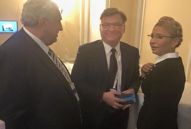 Общение посла России в Германии Сергея Нечаева и лидера партии «Батькивщина» Юлии Тимошенко не осталось незамеченным