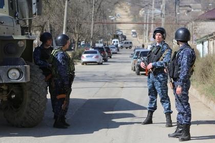 Названо имя устроившего стрельбу возле храма в Дагестане