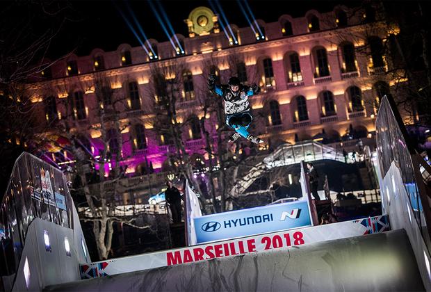 Следующий, заключительный этап Red Bull Crashed Ice пройдет в канадском Эдмонтоне 10 марта. Именно там определится имя чемпиона мира. Два предыдущих сезона этот титул завоевывал американец Кэмерон Наас.