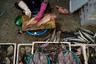 Особенно западные гости ценят рыбный рынок, где торговцы мастерски шинкуют товар острейшими ножами, а на прилавках красуются непонятные морские существа.