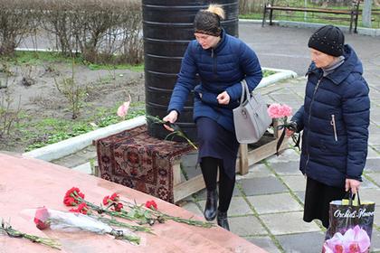 Блаженная нищая атаковала дагестанского стрелка сумочкой и спасла прихожан
