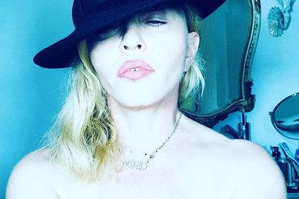 59-летняя Мадонна выложила еще одно голое селфи