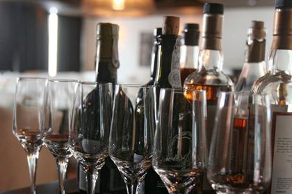 Торговлю спиртным в интернете отложат