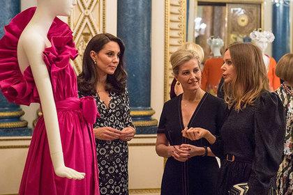 Кейт Миддлтон явилась во дворец в «бабушкином халатике»