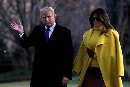 Родители Мелании Трамп получили гринкарту