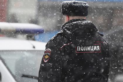 Россиянин получил по тысяче рублей за удар от полицейского