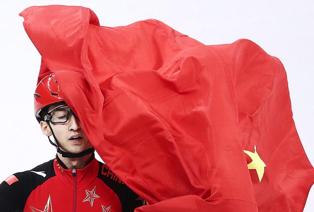Китаец У Дацзин стал чемпионом в шорт-треке на дистанции 500 метров. Партия, знай своих героев.