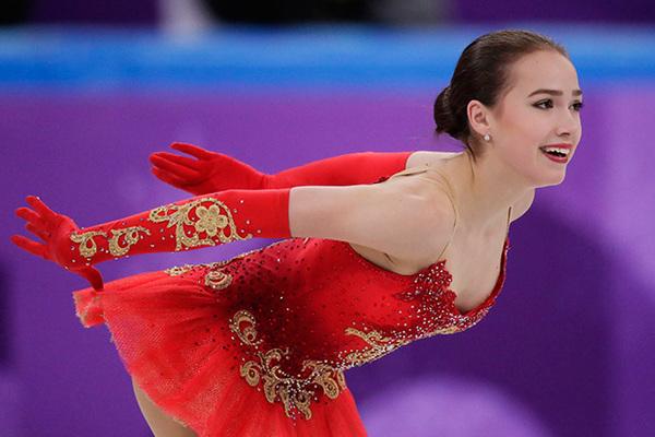 Русская фигуристка Алина Загитова стала олимпийской чемпионкой