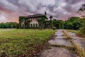 Abandoned Howey Mansion