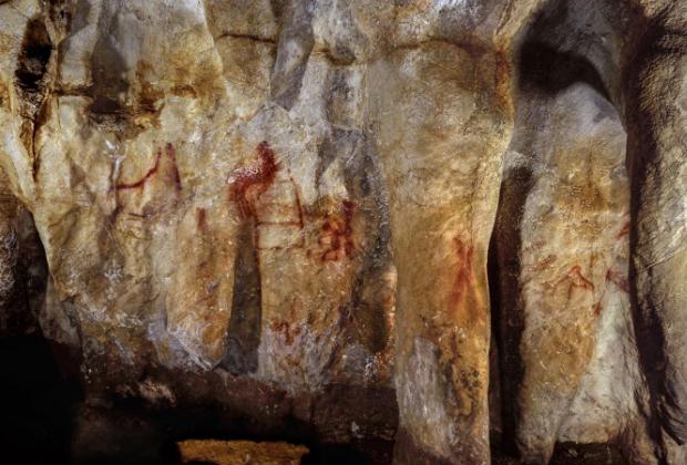 Пещерная живопись возрастом 64 тысячи лет.