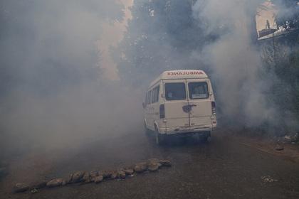 ВИндии молодожёнам насвадьбу подарили бомбу: супруг умер